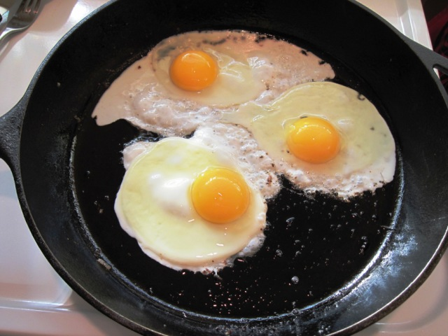 cooking-eggs2